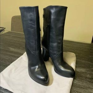COSTUME NATIONAL Black Leather Boots